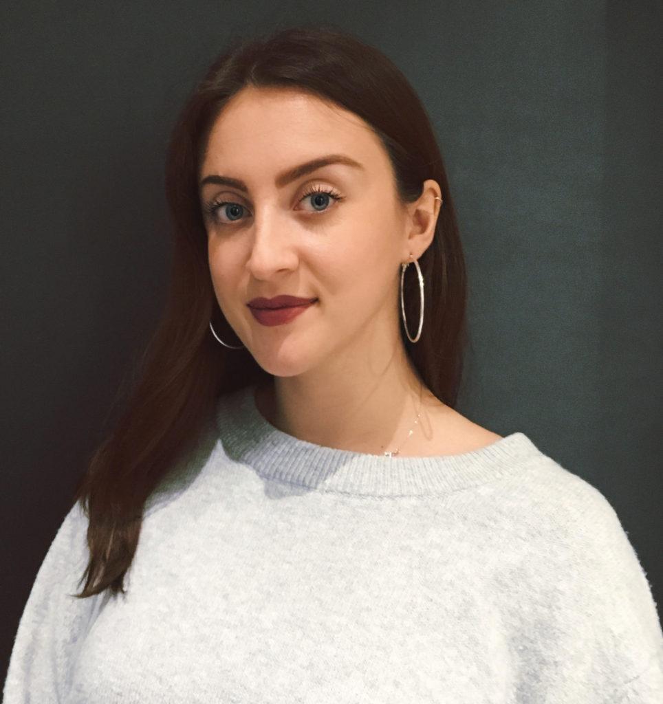 Portrait de Julie Quignon, présidente de l'association Beaut'IPAG